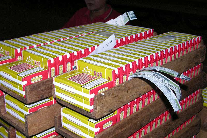 Indonesia Plans Cigarette Tax Hike