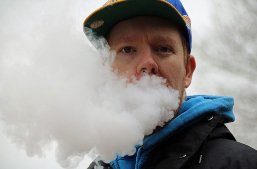 Study: Vaping Clouds Thinking